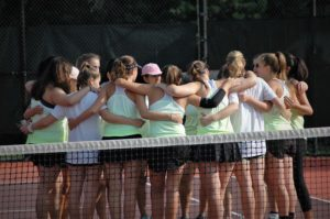 2018 Tennis Team Pre-Match Huddle